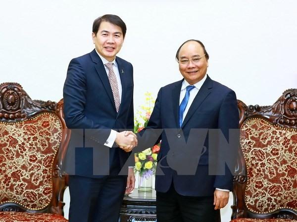 PM Phúc celebrates Singaporean firm, urges real estate investment