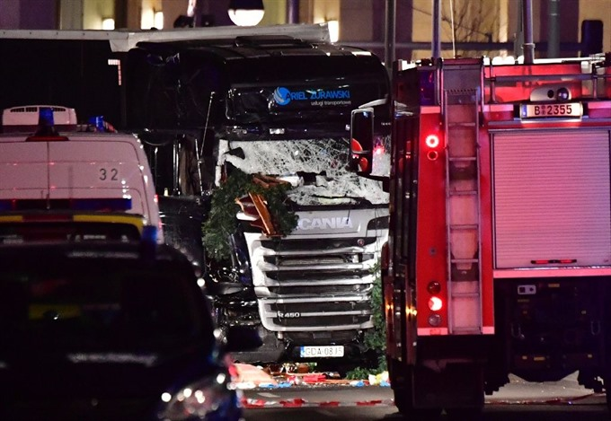 Nine killed as lorry ploughs into Berlin Xmas market