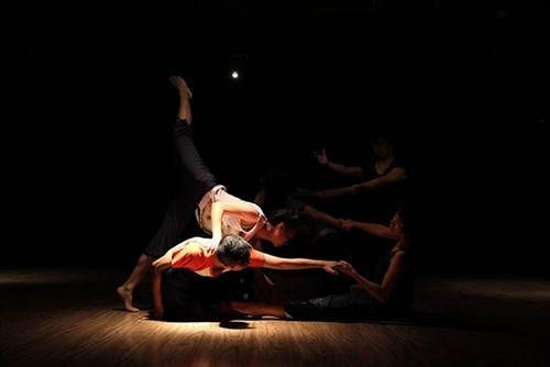 Contemporary dance workshop in Hà Nội