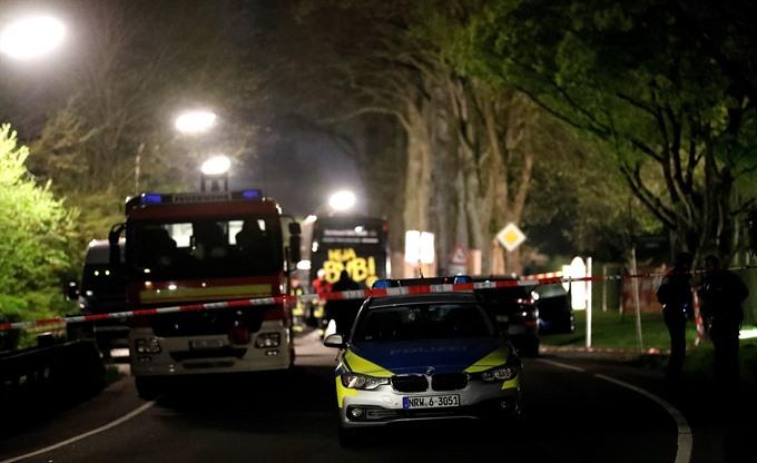 Dortmund's Bartra injured in team bus explosion