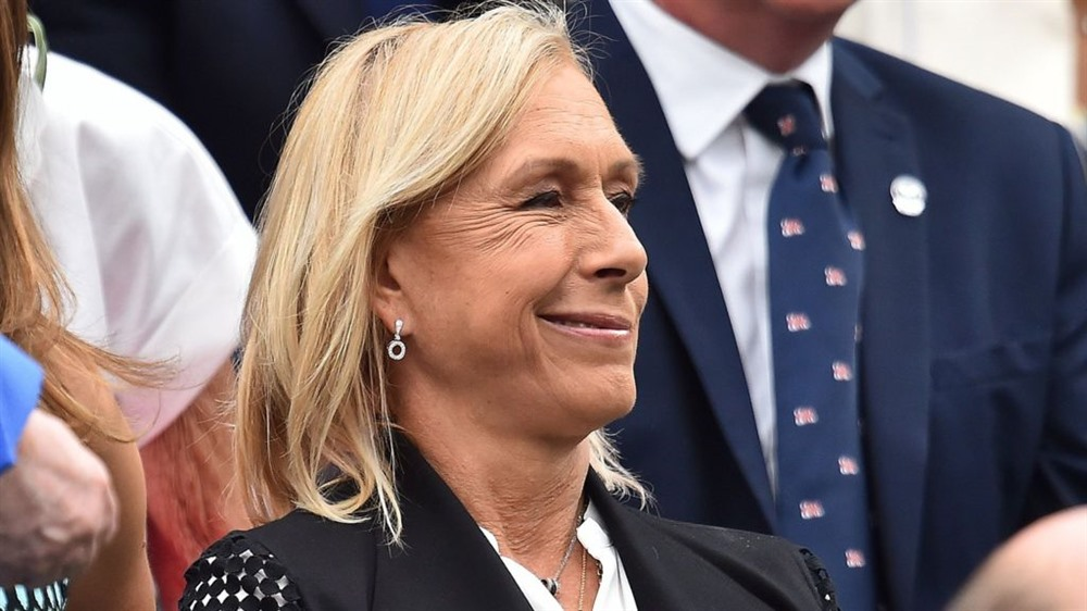 Martina Navratilova sorry for transgender 'cheat' claim