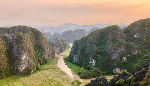 Hang  Mua - the glamorous