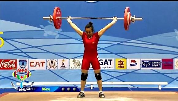 Huyền wins Toàn loses at national weightlifting champs