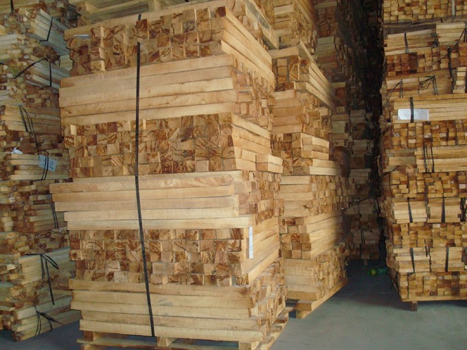Chinese buyers depleting VNs raw lumber