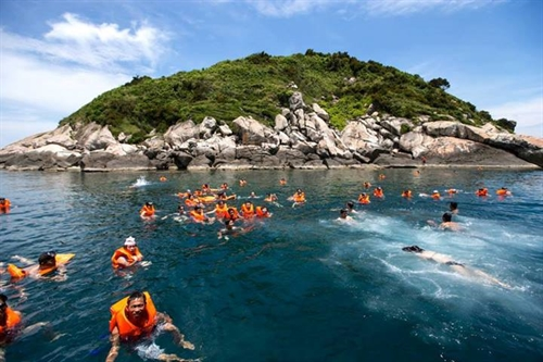Cù Lao Chàm to offer sea-walk service for first time