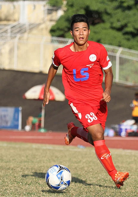 Chinh joins HCM City FC in loan contract