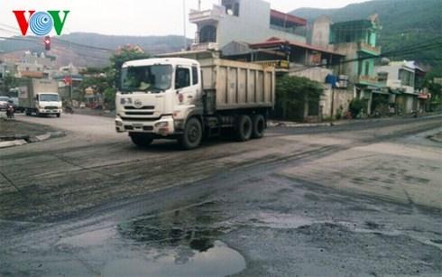Vehicles found discharging wastewater on highway
