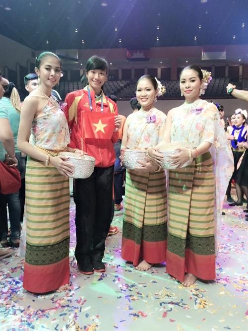 VN take golds at 8th ASEAN games