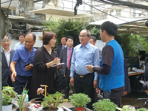 Việt Nam Fatherland Front leader visits South Korea