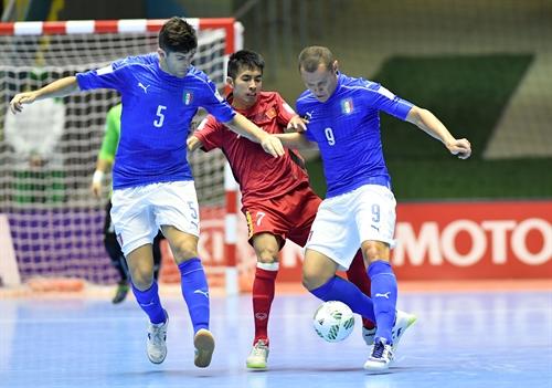 Việt Nam enter World Cups final-16 round