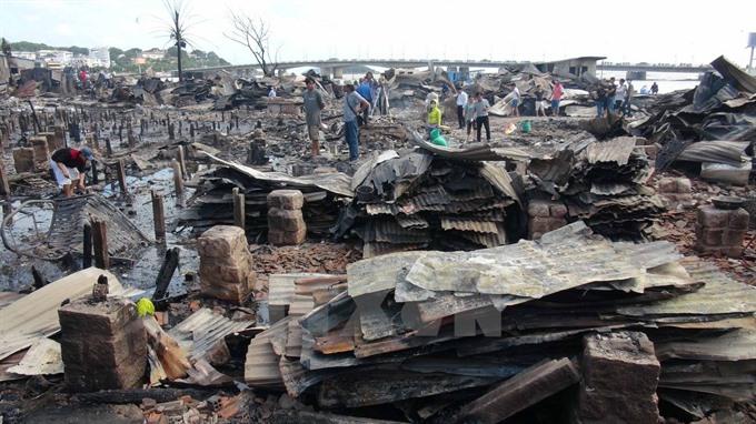 Blaze destroys 40 houses on islet