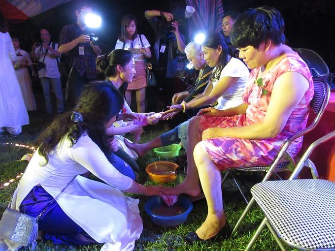 HN festivals mark filial piety promote vegetarianism