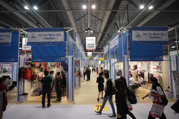 VN goods shown at HK fashion fair
