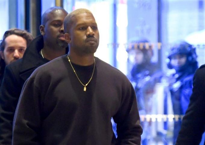 Kanye West makes brief return year after breakdown