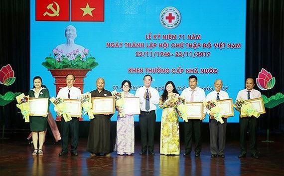 Red Cross fetes 71 philanthropists