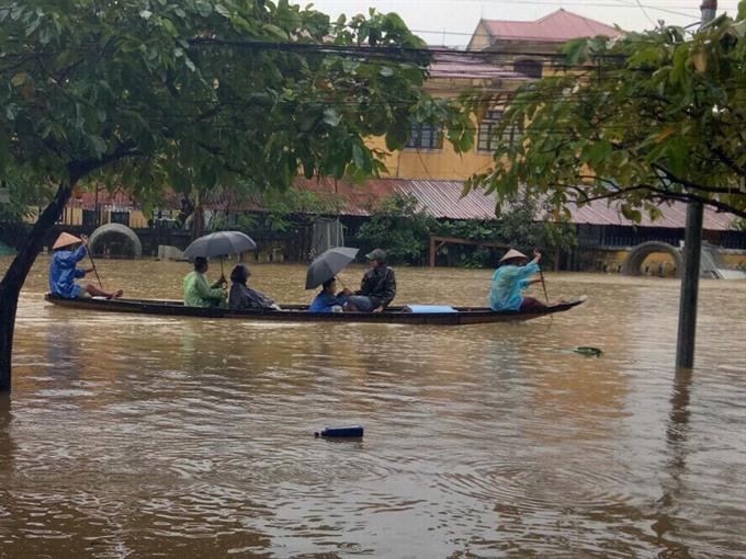 Photo essay: Typhoon Damrey wreaks havoc in central localities