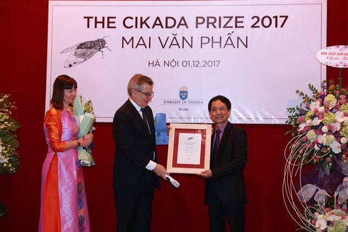 VN poet receives Swedish prize