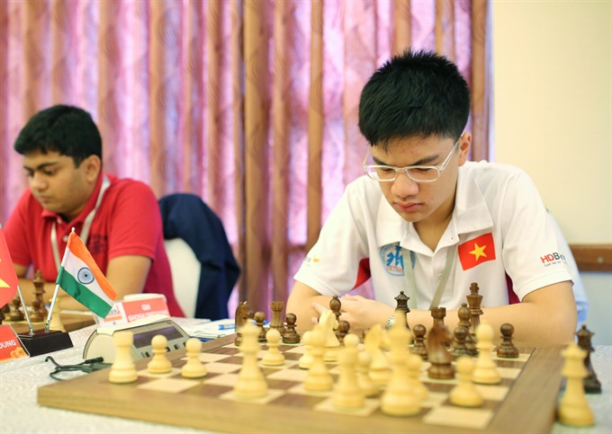 Khôi beats Chinese rival at HDBank chess event