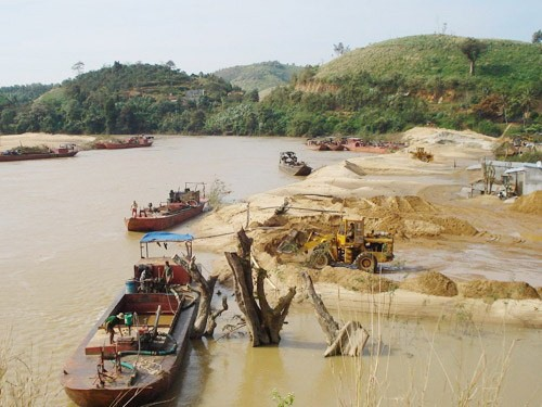 Dredging and sand exploitation projects on Đồng Nai River suspended