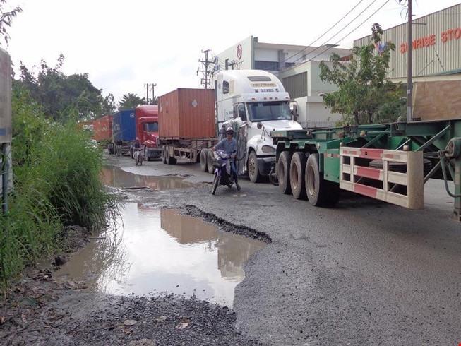 City tackles port traffic black spots