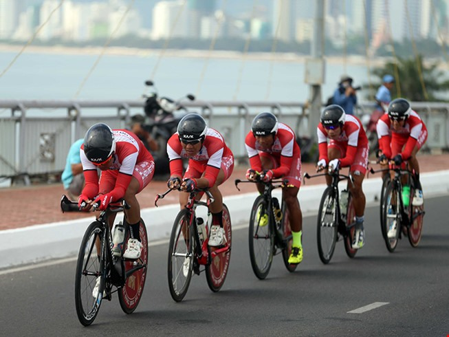 VUS-HCM City dominate team time trial stage