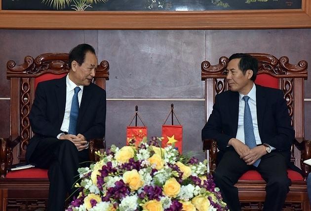 Xinhua President visits Nhân Dân newspaper
