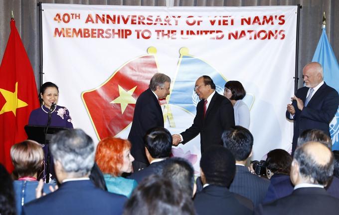 PM Nguyễn Xuân Phúc holds talks with UN Secretary General
