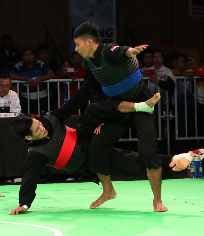Việt Nam win three golds in pencak silat
