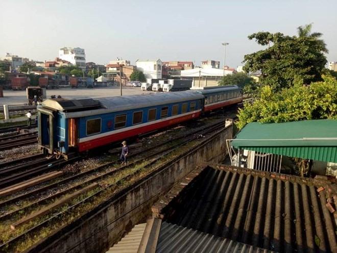 Passenger train derails no casualties