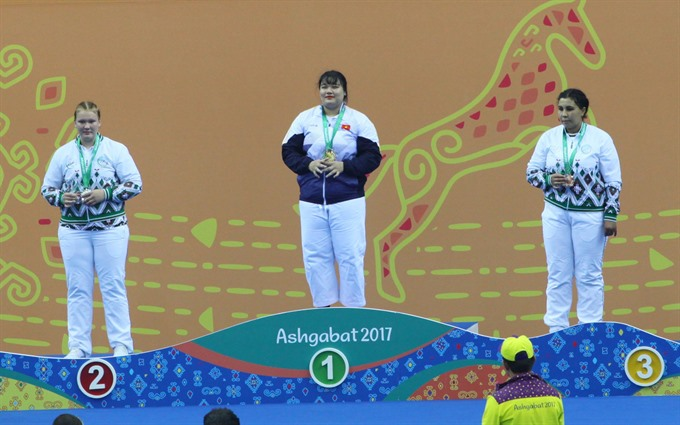 Thủy wins gold for kurash at AIMAG