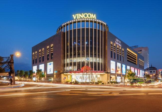 Vincom Retail submits listing document to HOSE