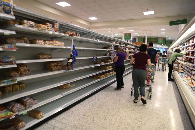 Tourists evacuate as Category 5 Hurricane Irma nears Caribbean