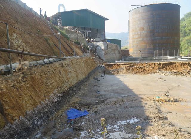 Waste tank cracks, pollutes northern stream