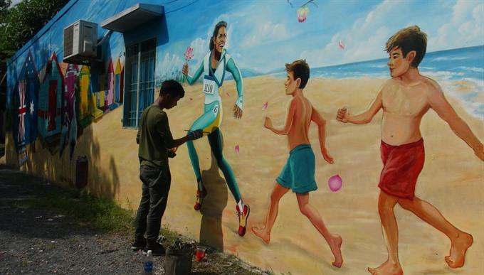 Australia-Việt Nam art project decorates village