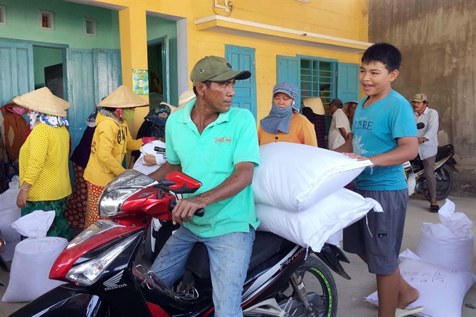 1,100 tonnes of rice handed out in drought-hit Ninh Thuận