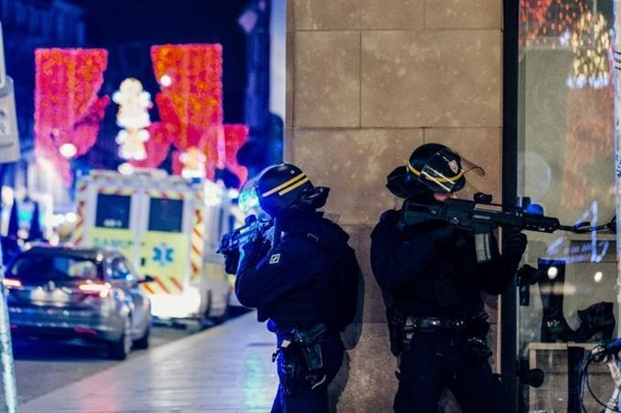 Gunman on run after killing three at Frances Strasbourg Christmas market