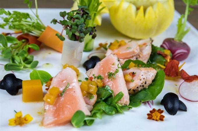 Mediterranean Salmon Salad