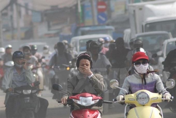 Hà Nộis residents suffer bad air