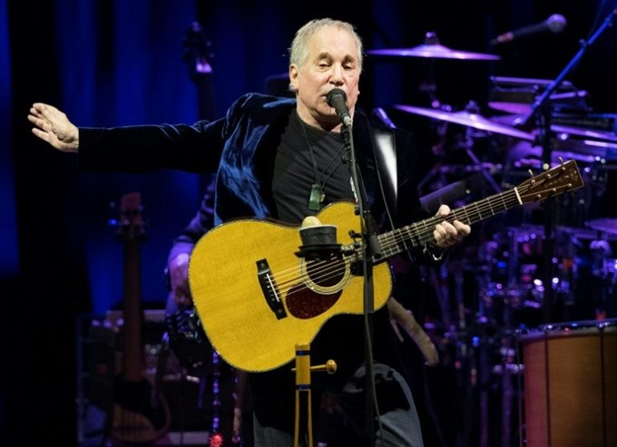 Paul Simon announces farewell from touring