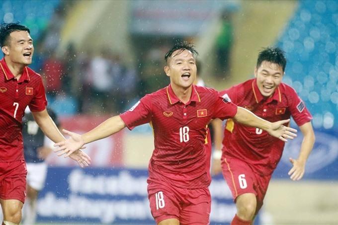 VN fall in FIFA rankings still top ASEAN