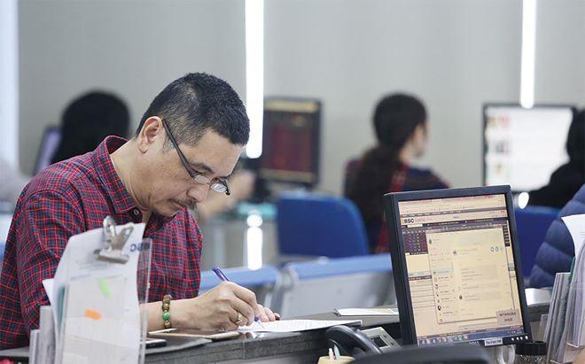 VN stocks soar on bargain hunting