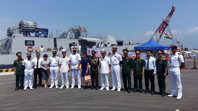 Indian navy ships visit Đà Nẵng Port