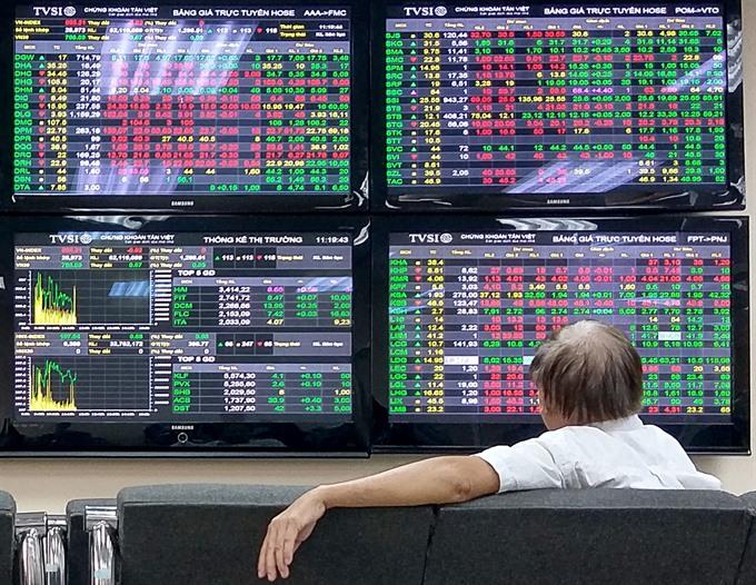 VN stocks bounce back as buyers pounce