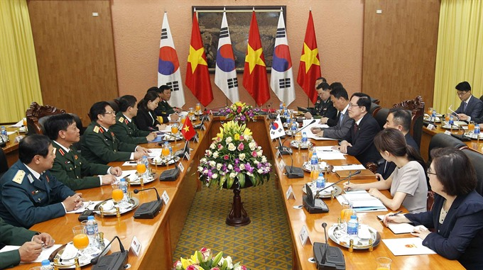 Defence Minister welcomes RoK counterpart in Hà Nội