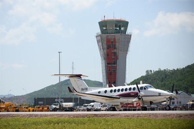 Vân Đồn Airport receives first flight