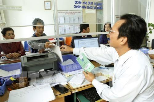 Public officials struggle with basic wage