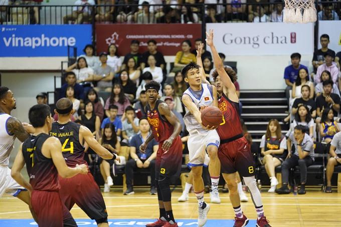 Tú helps Hanoi Buffaloes beat Saigon Heat
