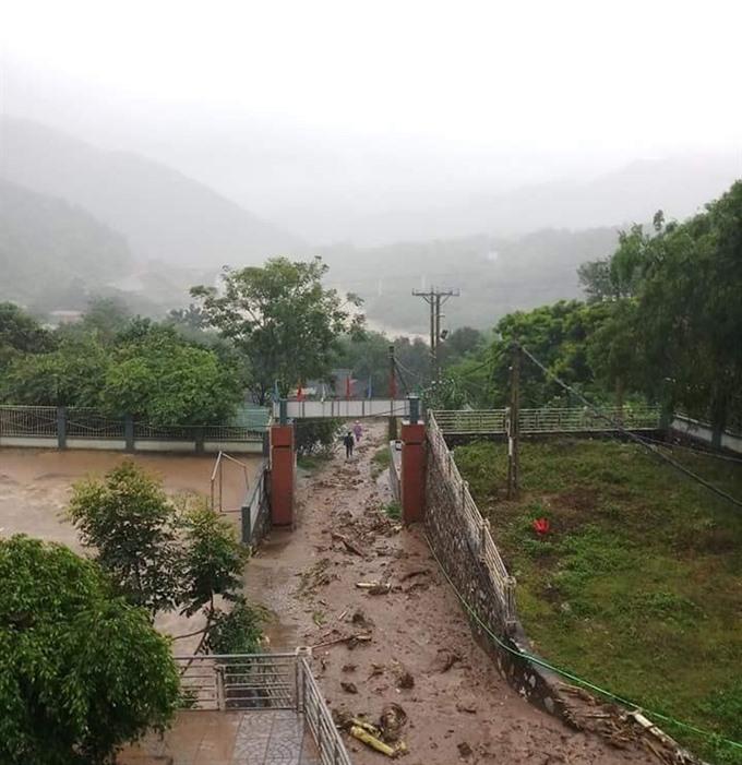 Heavy rain wreaks havoc nationwide