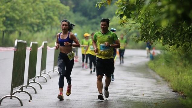 Sơn wins Tràng An international marathon