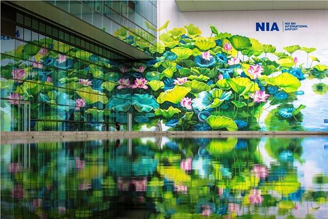 Lotus murals unveiled at Nội Bài International Airport